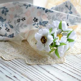 Букет цветов из ткани, Белые
